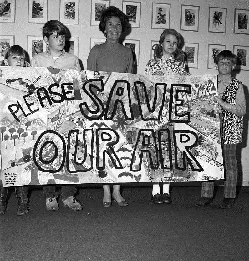 California First Lady Nancy Reagan with school children during an awards ceremony for the Audubon Society ecology poster and art competition, 1971